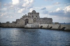 Kreuzfahrer-Seeschlossdetail an der Seeküste von Sidon, der Libanon stockbilder