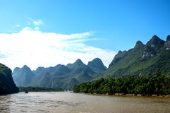 Kreuzfahrt von Guilin zu Yangshuo Stockbild