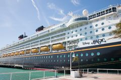 Kreuzfahrtschiff-Disney-Magie bei Key West, Florida stockbild