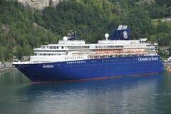 Kreuzfahrtschiff-Horizont Lizenzfreies Stockbild