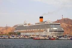 Kreuzfahrtschiff im Hafen Cartagena, Spanien Stockfotos