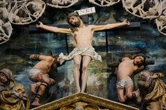Kreuzigungs-Szene in Burgos-Kathedrale lizenzfreie stockfotos