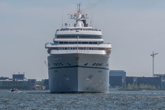Kreuzschiff Amadea segelt beim Noordzeekanaal Stockfotografie