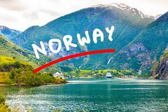 Kreuzschiff auf Fjord Sognefjord in Flam Norwegen Lizenzfreies Stockbild