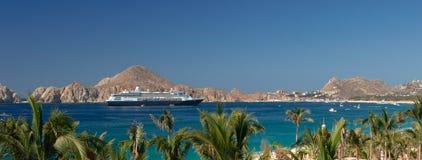 Kreuzschiff in Cabo San Lucas Stockbild