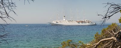 "Kreuzschiff Club Med 2 verankerte in †Rab/Kroatiens ""am 30. Juli 2018 lizenzfreies stockbild"