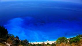 Kreuzschiff-Costa Luminosa Ansicht von Lefkas, eine grüne ionische griechische Insel, von einem Tageskreuzfahrtboot, das Nidri-Ha Lizenzfreie Stockbilder