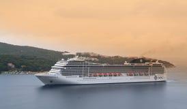 Kreuzschiff im adriatischen Meer Stockfoto