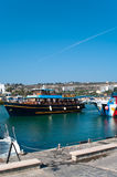 Kreuzschiff im Agia-Napa Hafen Lizenzfreie Stockfotografie