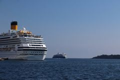 Kreuzschiff im Hafen bei Kristiansand in Norwegen lizenzfreies stockfoto