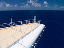 Kreuzschiff im karibischen Meer. Lizenzfreie Stockfotos