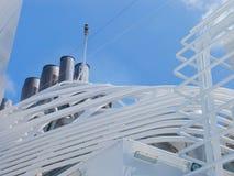 Kreuzschiff im karibischen Meer. Stockbild