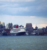 Kreuzschiff New York lizenzfreies stockbild