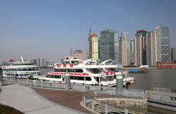 Kreuzschiffe in Shanghai Lizenzfreies Stockfoto