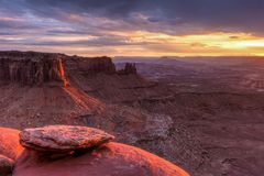 Kreuzung Butte und großartiger Standpunkt-Sonnenuntergang Stockfotografie