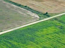 Kreuzungen und Felder Stockfotos
