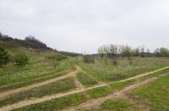 Kreuzungen von Feldwegen lizenzfreie stockfotos