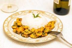 Krewetka z ryż i białym winem obraz royalty free