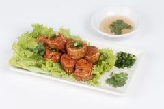 Krewetkowa shellfish magistrala & x22; Hoi jor& x22; z słodkim maczanie kumberlandem na białym tle fotografia stock