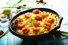 krewetkowy biryani, sławna Indiańska kuchnia obrazy royalty free
