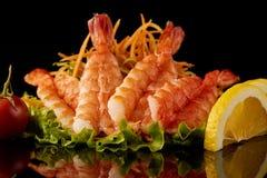 Krewetkowy jedzenie z cytryną obraz royalty free