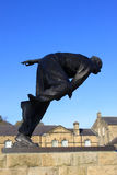 Kricketschneller werfer Fred Truman Statue, Skipton Stockfotos