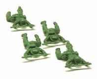 Kriechende Spielzeug-Soldaten Lizenzfreie Stockfotos