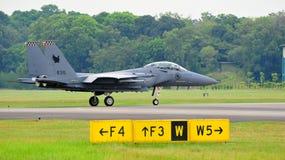 Kriechender RSAF F-15SG Schlag-Adler Stockfotografie