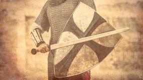 Krieger mit Klinge und Schild Lizenzfreies Stockfoto