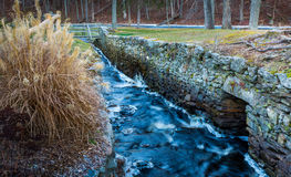 Kriegs-Denkmal-Fluss Stockfotos