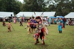 Kriegsgefangenwow Tänzer des amerikanischen Ureinwohners stockfoto