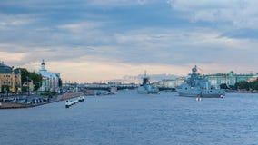 Kriegsschiffe auf dem Neva Lizenzfreie Stockbilder