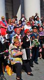Kriegsveteranen singen Kriegslieder auf Theater-Quadrat in Moskau Stockbild