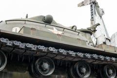 Kriga i världen - konfrontationen av Ryssland och tillstånden Förstörda behållare under varnaen royaltyfri fotografi