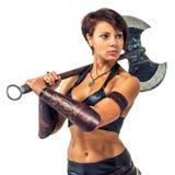 Krigare - kvinna med en yxa Royaltyfri Foto