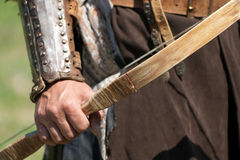 Krigare med den autentiska bowen arkivbilder