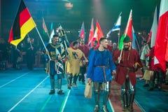 Krigare med flaggor Arkivbild