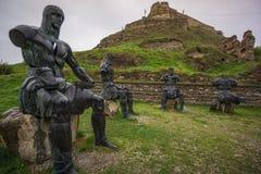 Krigare på vilar konststatyn georgia arkivfoto
