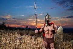 Krigare som spartanskt gå framåtriktat i attack Arkivfoton