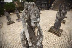 Krigarestaty som bevakar tempelet i Vietnam Royaltyfri Fotografi