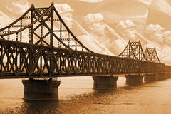 kriger den koreanska floden för bron yalu Royaltyfri Fotografi