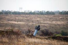 Kriget åtgärdar efterdyning, den Ukraina och Donbass konflikten, systemet 'Smerch 'för raket för lanseringen för raketmotorn det  royaltyfri bild
