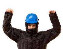 Krigförande ung bandit som lyfter hans armar Arkivbilder