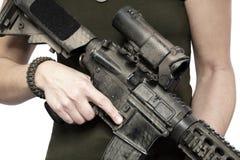 Krigkvinna med vapnet Royaltyfri Fotografi