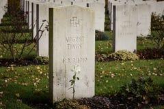 Krigkyrkogårdgravstenar Royaltyfri Bild