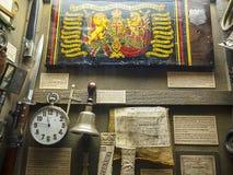 Krigutställning i det regements- museet i stadsmuseet i Lancaster England i mitten av staden royaltyfria bilder