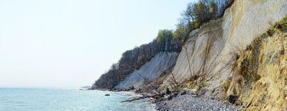 Krijtrotsen van Rugen-eiland (Duitsland, Mecklenburg-Vorpommern) Stock Foto's