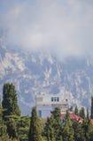 Krimdorp in de bergen. stock foto