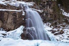 Krimml-Wasserfall im Winter lizenzfreies stockfoto