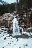 Krimmler-Wasserfall im Winter lizenzfreie stockfotografie
